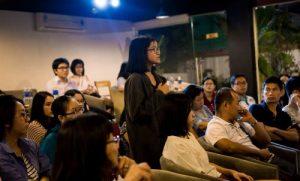 Học sinh đặt câu hỏi cho thầy Trần Đức Cảnh