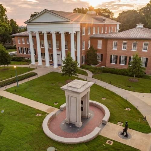 Các trường Đại học Mỹ tiết kiệm nhất – không cần SAT và IELT